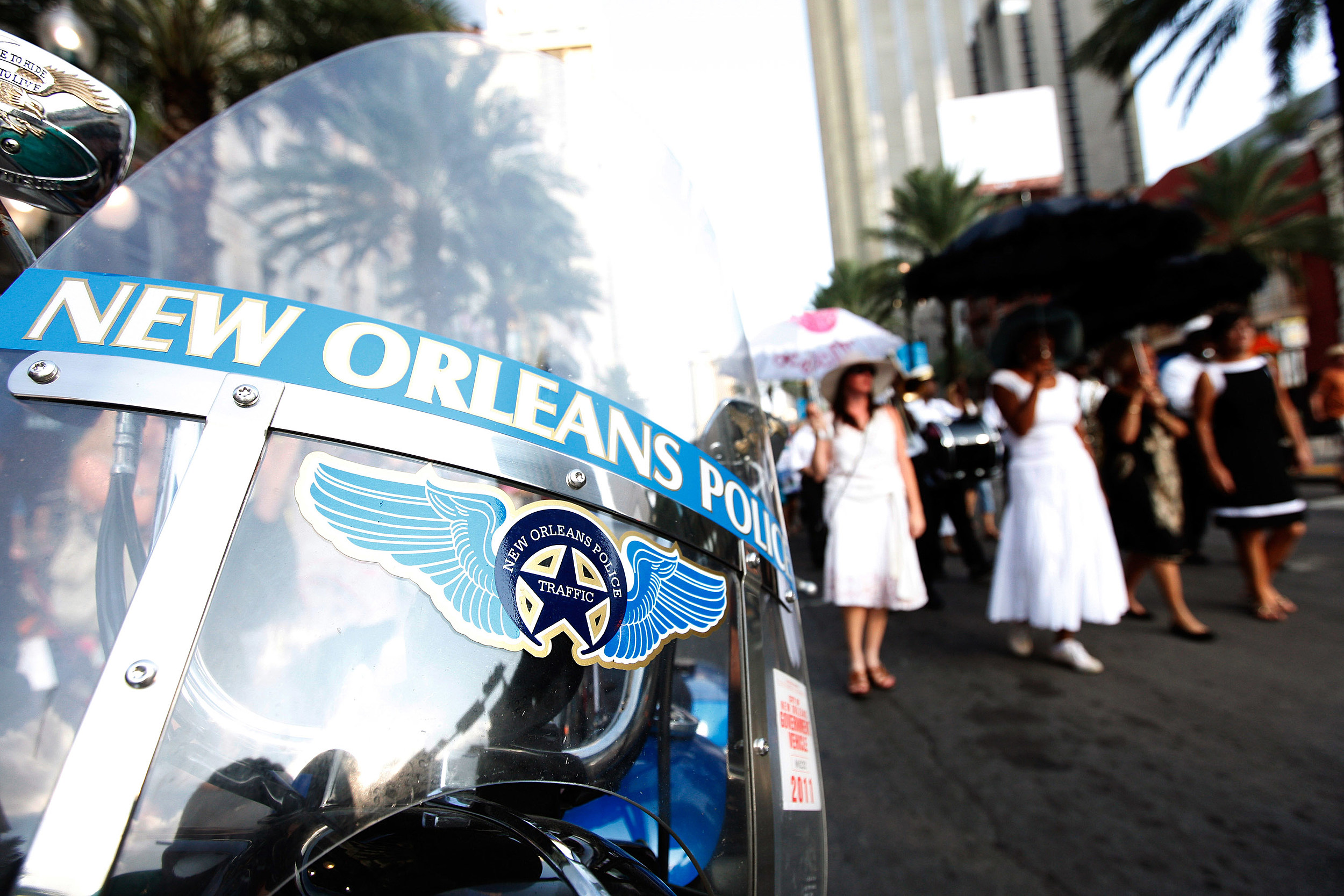 New orleans police kpel 96 5 for Police orleans