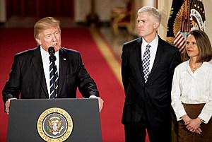 Donald_Trump_with_Neil_Gorsuch (wikimedia image)
